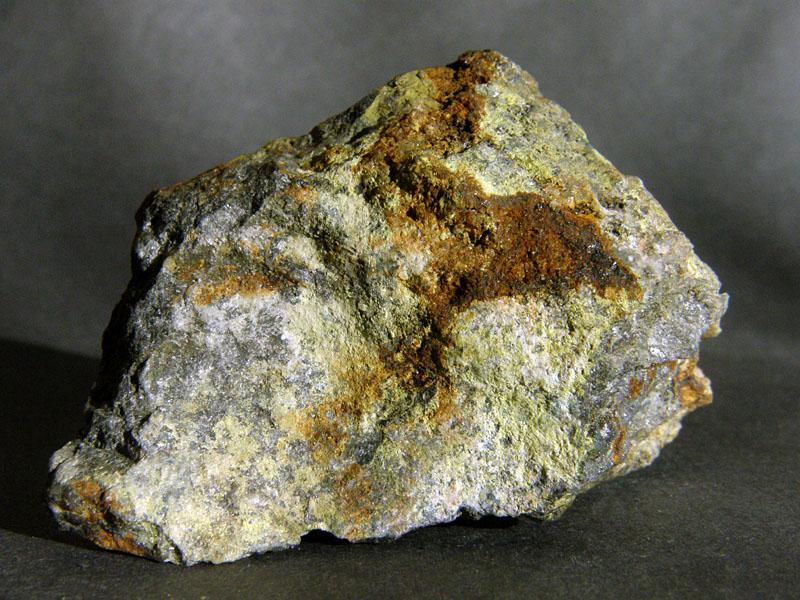 Bizmutoferrit, Eulytin
