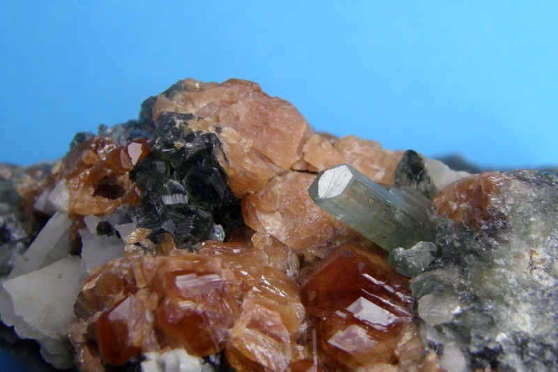 Diopsid, Grossulár, Chlorit