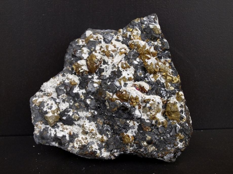 Sfalerit, Chalkopyrit, Křemen