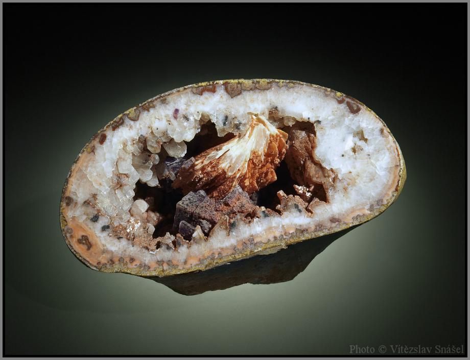 Calcite, Baryte, Fluorite